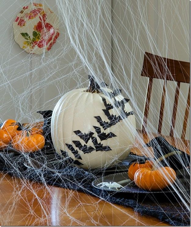 Halloween-Decorations-Dining-Room-5_thumb1