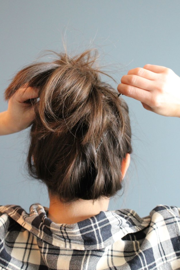 casual messy bun step 5