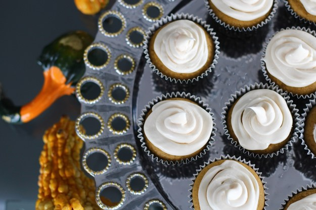 pumpkin-cupcake-with-cream-cheese-frosting-recipe-14