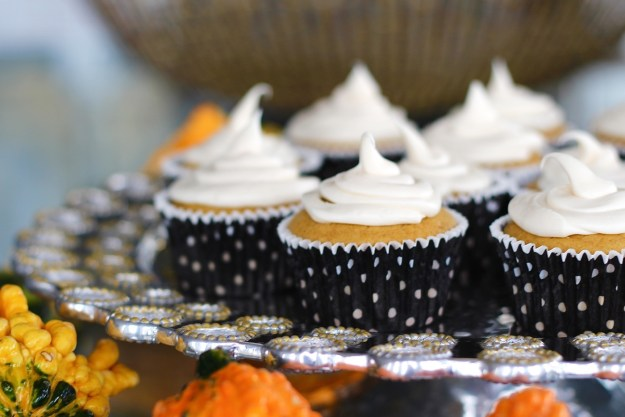 pumpkin-cupcake-with-cream-cheese-frosting-recipe-16