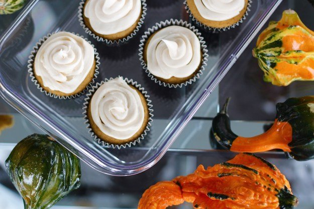 pumpkin-cupcake-with-cream-cheese-frosting-recipe-19