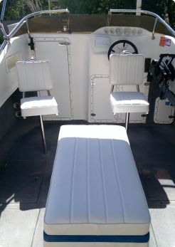 Boat Seat and Cushion Upholstery