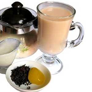 Рецепты с использованием чая. Русское горячее чайное молоко.