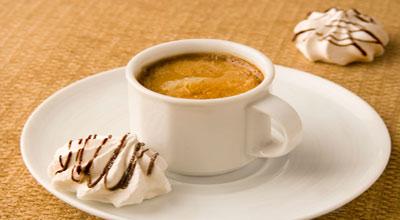 Приготовление кофе. Рецепты. Рецепты с молоком или сливками. Кофе по-варшавски.