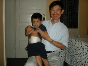 dr.Qin Wz his young patient