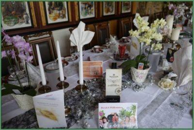 Cafe - Tafel für Hochzeit oder Hochzeitstag eingerichtet 30 PAX (20)
