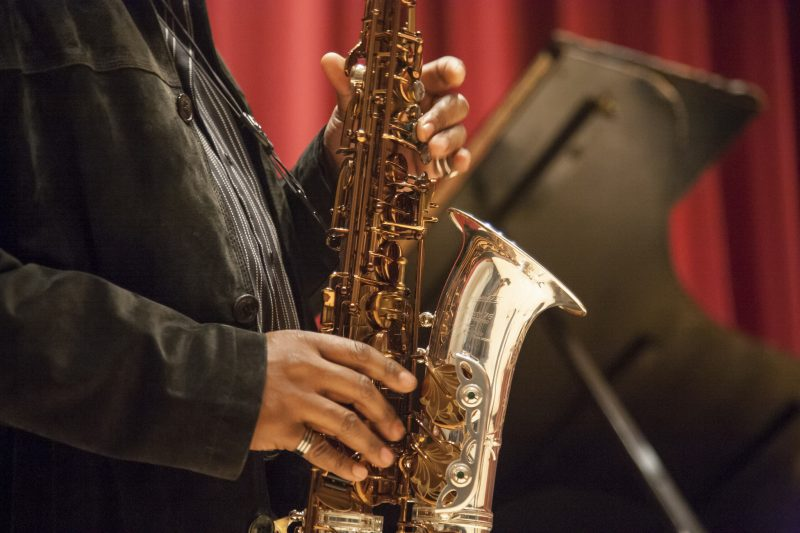 Renowned jazz saxophonist, Greg Osby, solos during a jazz master class in Knuth Hall Wednesday, Oct. 15, 2014. Martin Bustamante / Xpress.