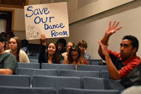 Students, parents and faculty gathered in Knuth Hall for to discuss the future of the dance department's studio FA203 Monday, Nov. 3, 2014. Helen Tinna/Xpress.