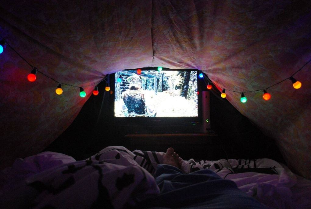 date ideas on a budget blanket fort