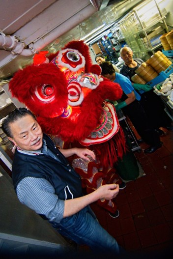 jing wo lion dance calgary 2016 chinese new year pacific place mall t&t supermarket forbidden city