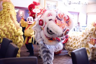 jing wo lion dance calgary 2016 chinese fusion sushi restaurant grand-opening