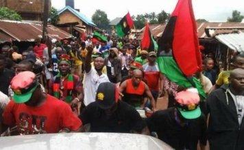 BREAKING: Protest Rocks Onitsha As Soldiers Brutalize Nollywood Actor Chinwetalu Agu Over Biafra Attire (VIDEO)