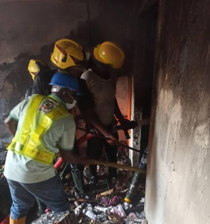 Fire razes shops at Balogun Market