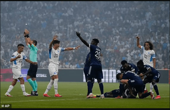 Samuel Kalu collapsed on pitch – See What players of both teams did