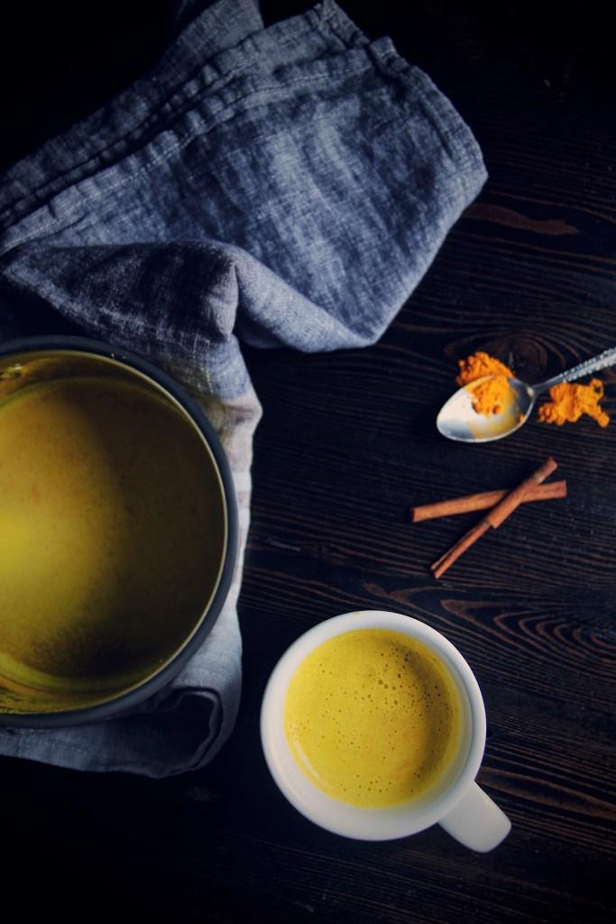 turmeric, turmeric latte, golden milk, holistic, natural remedy, sleep aid, indian spices, cinnamon, ginger, cayenne, whole milk, dairy
