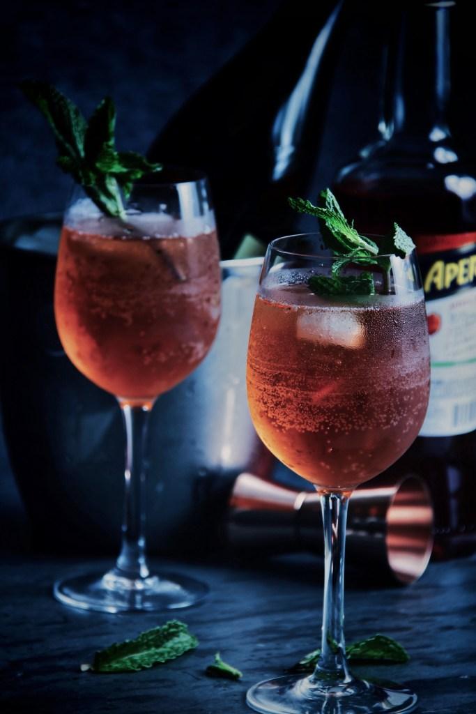 aperol, spritz, aperol spritzer, aperol spritz, aperitif, prosecco, champagne, summer cocktail, club soda