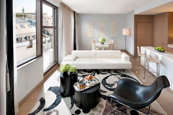paris_couture_suite_living_room_2_sm