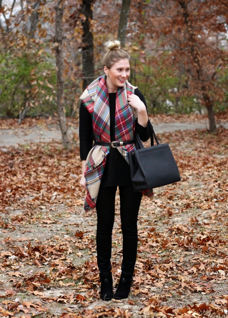 THE RETURN OF THE BLANKET SCARF.