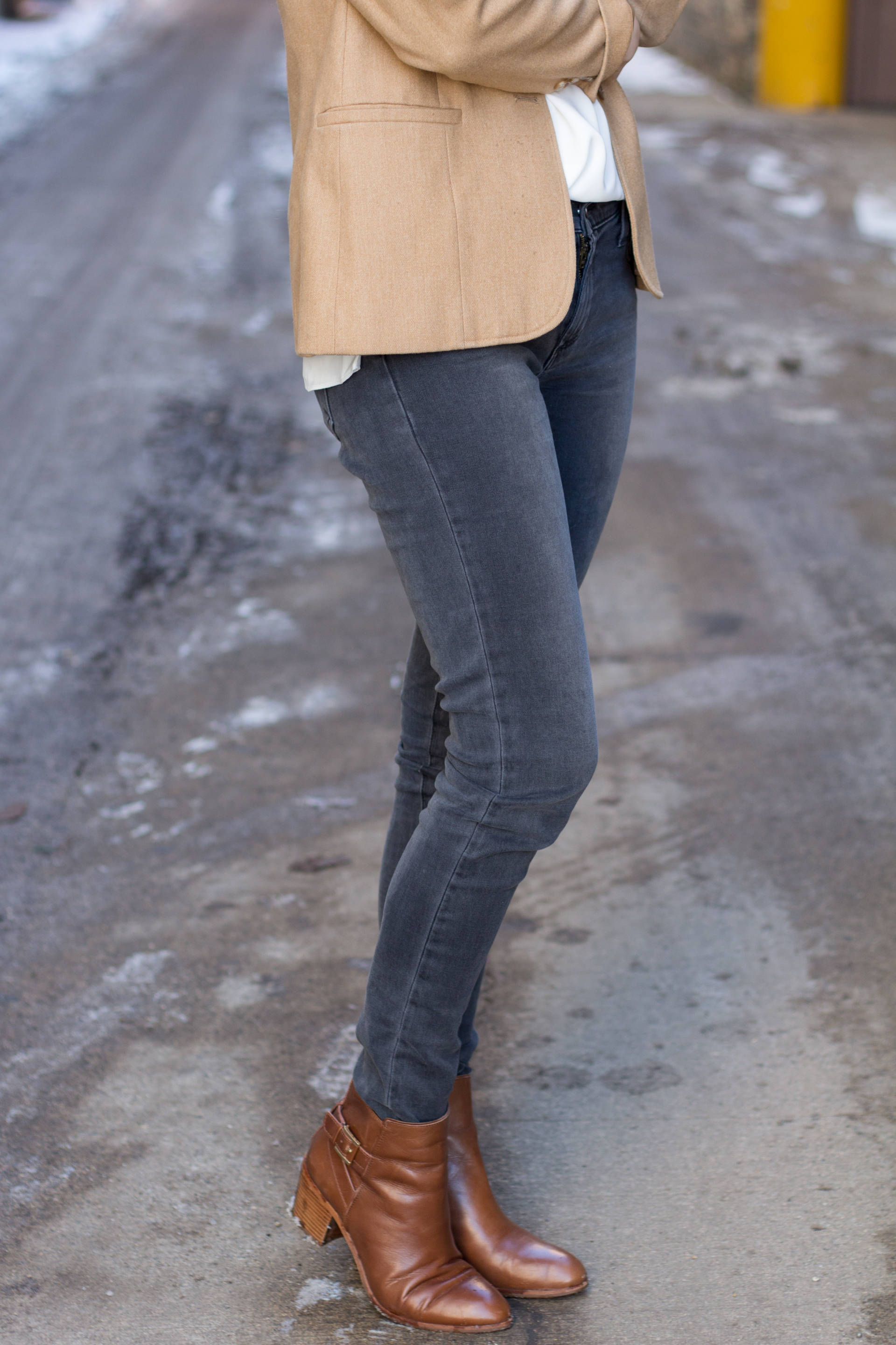 James Jeans Twiggy Slate II | Gold-Hatted Lover