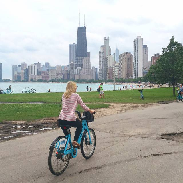 Rent Divvy Bikes Lakeshore Trail Chicago