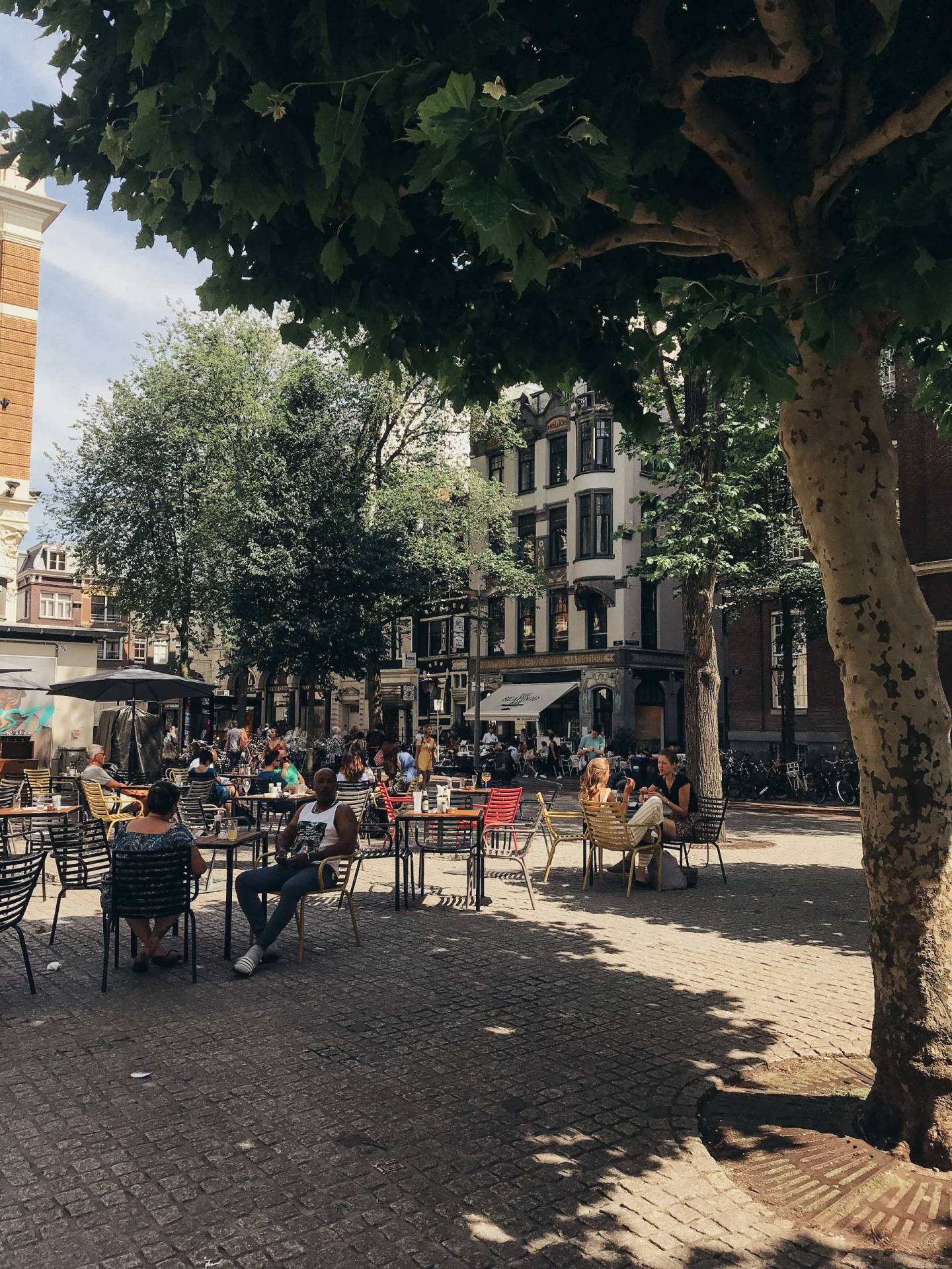 That European Summer vibe... the kind of joy and ease I need to bring to my everyday life! Amsterdam quickly became one of my favorite places I've ever visited for so many reasons; click through for everything we did, where we ate, and the hotel we loved so much!