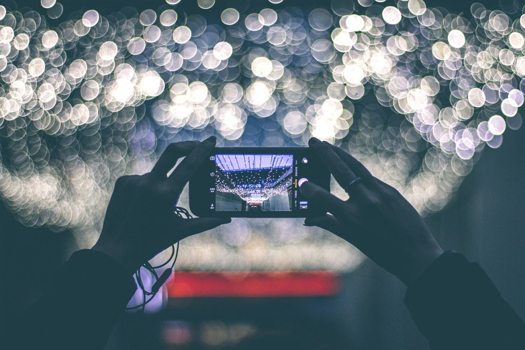 Taking Pictures - Tips to Improve your Airbnb Ranking - Goldilocks Effect