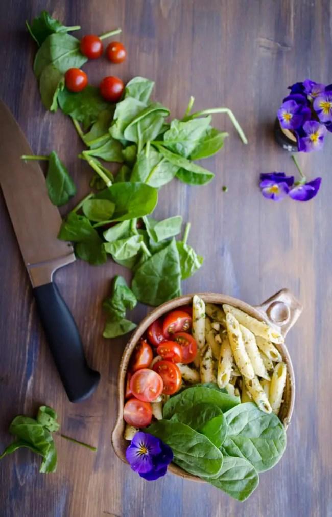 Spinach Feta Pesto Pasta Salad - The Goldilocks Kitchen
