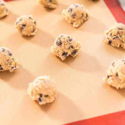 Tips & Tricks for the Best Budget-Friendly Chocolate Chip Cookies
