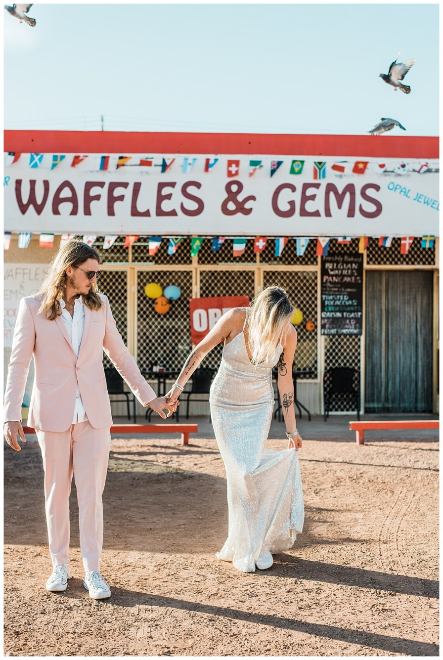 2018 08 05 0042 - Issy + Zac, Coober Pedy Elopement