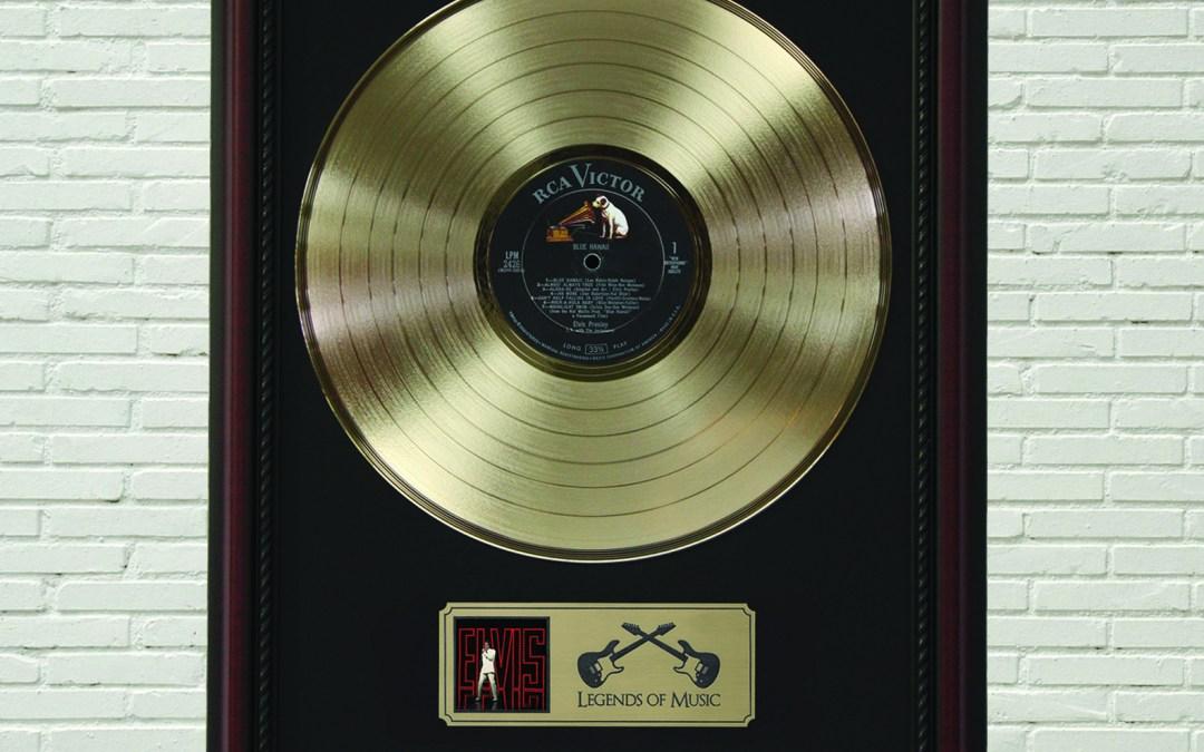 Elvis Presley – Blue Hawaii Framed Cherry Wood Legends Gold LP Record Display M4