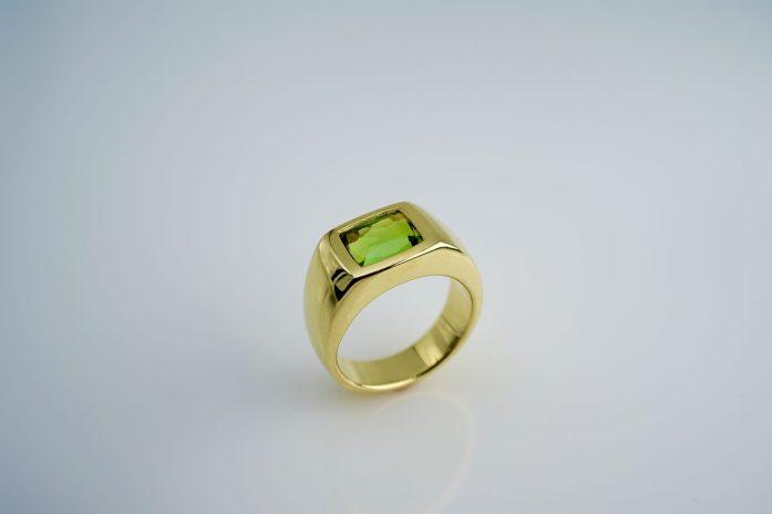 Ring in 585er GG mit lemonfarbenen Turmalin, 2,46 ct. 1.950 €
