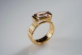 Ring in 750er Rose-Gold und Morganit