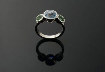 Ring in 950er Platin mit Topas und Turmaline, 1310.- €