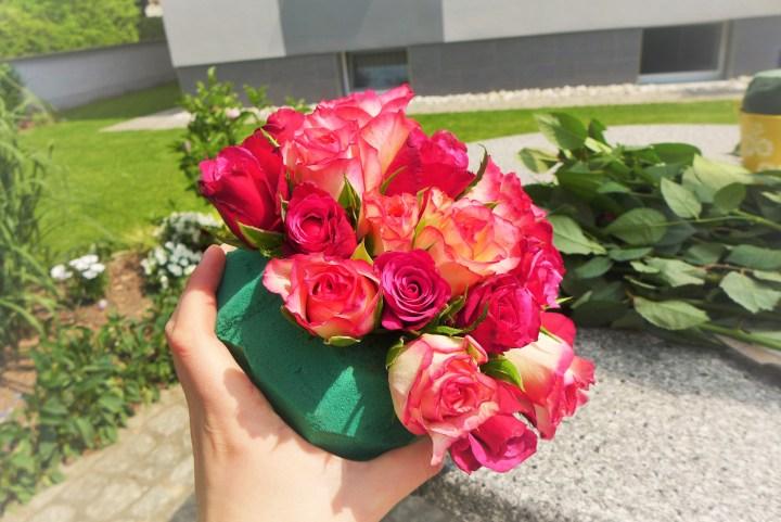 Flowerball of roses