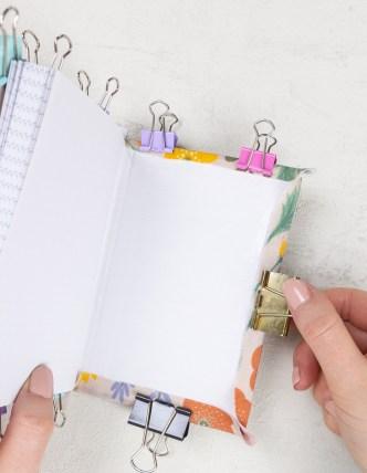 DIY-Ostergeschenk-Notizbücher-mit-Stoff-beziehen_6