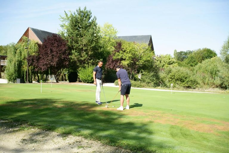 UN WEEK-END POUR DEBUTER LE GOLF