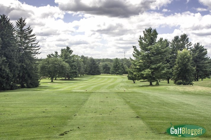The first at The Cascades is a 573 yard par five.