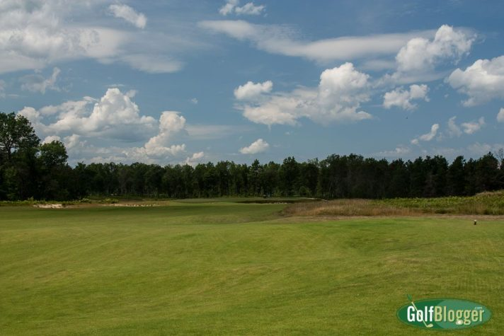 The first at the Loop Red Course is 375 yard par 4.