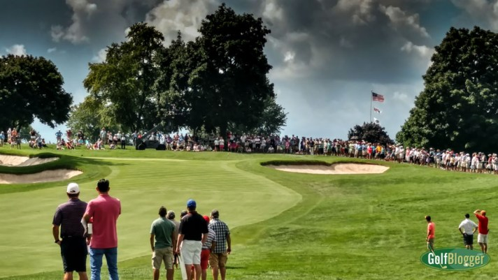 Big gallery at US Amateur on eighth hole.