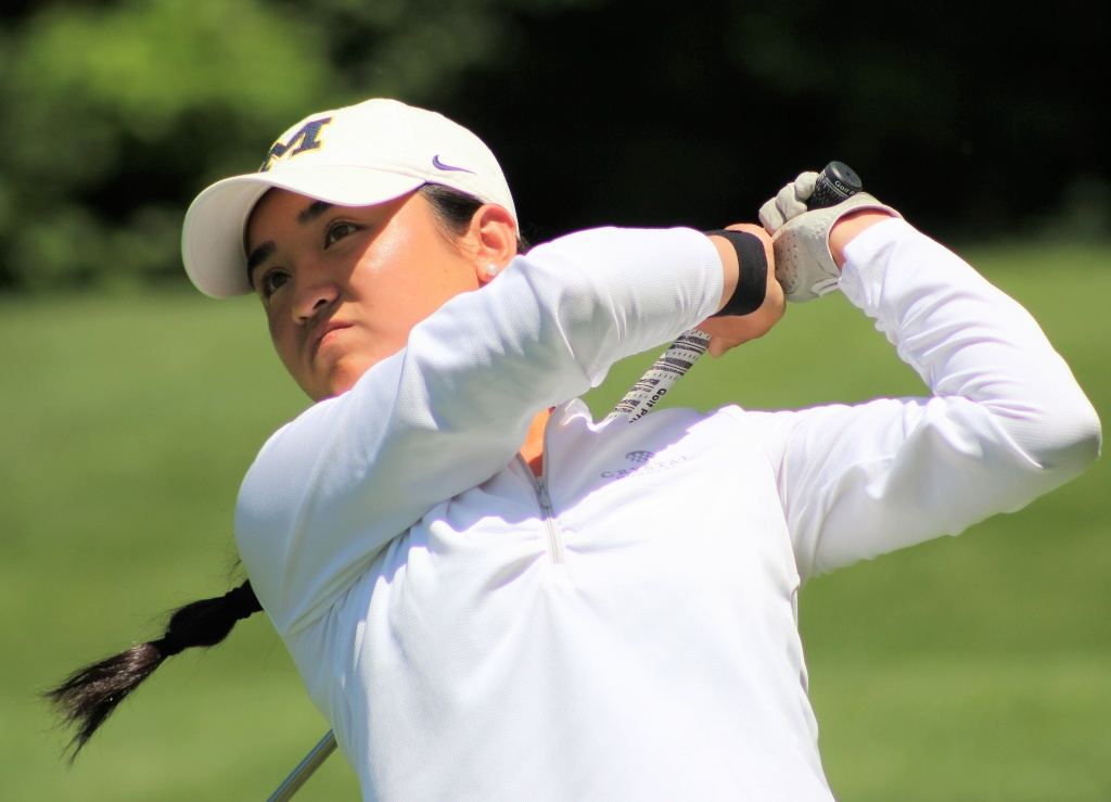 Dy Leads The Michigan Women's Open After Two