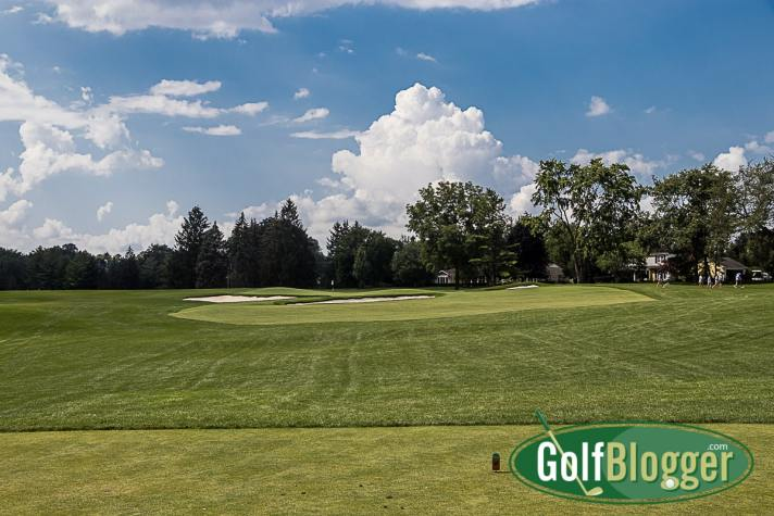 The third at Oakland Hills South is a 216 yard par 3. The hole plays at 181 yards from the white tees.