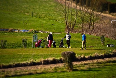 57e2d2434257ae14f6da8c7dda793278143fdef852547641772e7ad4974b 640 - Easy Ways To Improve Your Golf Game
