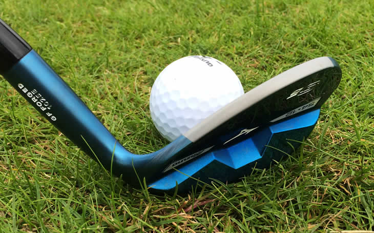 What degree is a pitching wedge