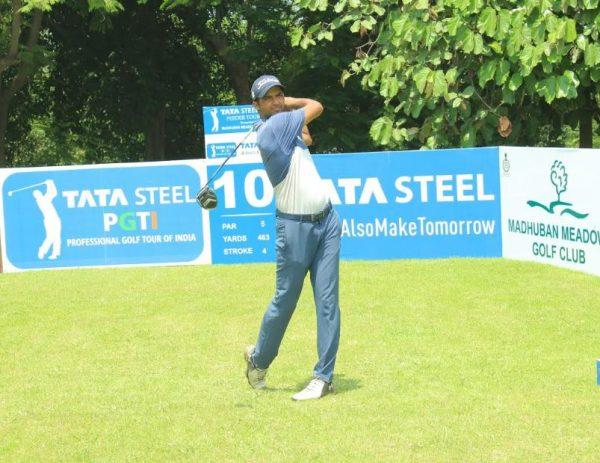 Dhruv Sheoran leading rd 1 of Tata Steel PGTI Feeder Tour 2019