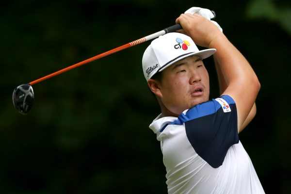 Sungjae Im of South Korea plays his shot from the second tee during the third round of the Wyndham Championship at Sedgefield Country Club on August 03, 2019 in Greensboro, North Carolina. (Photo by Tyler Lecka/Getty Images)