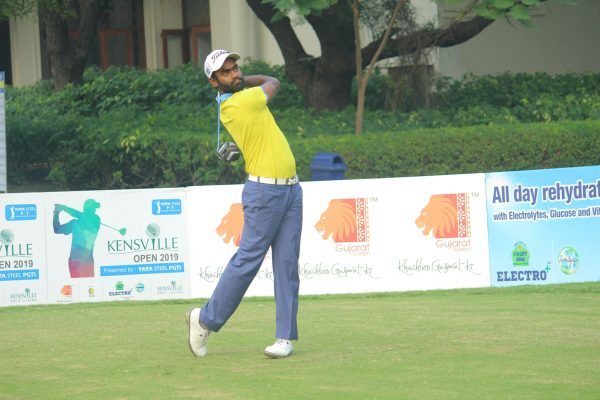 Arjun Prasad joins Shamim Khan to share first round lead at Kensville Open 2019