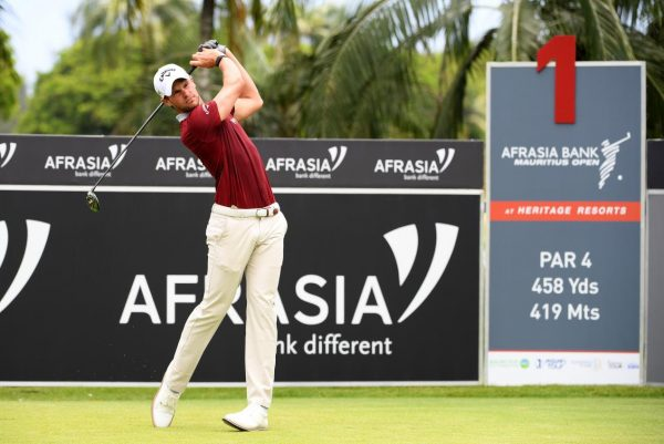 Antoine Rozner climbs into three-man tie at Mauritius Open