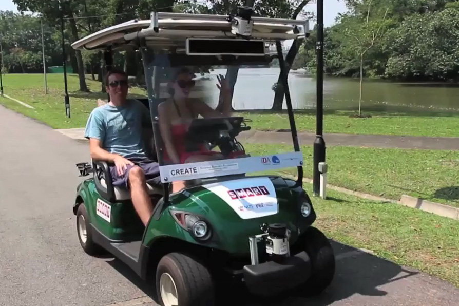 Going Green on the Greens: Why Consider A Solar Panel Golf Cart