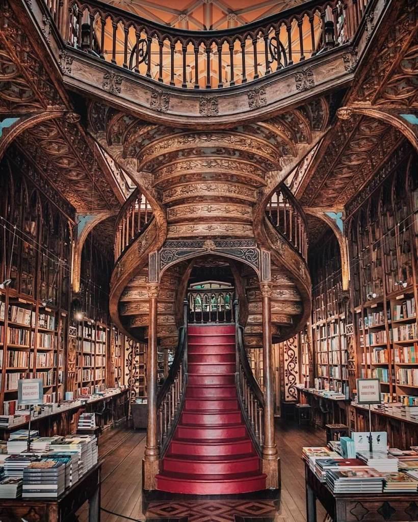 livraria-lello-bookstore