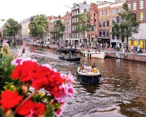 amsterdam-holland-rhine-river-port